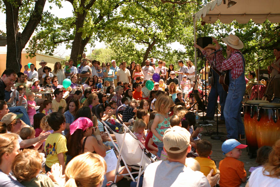Biscuit Brothers Play an outdoor concert